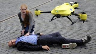 El dron ambulancia con desfibrilador externo automático